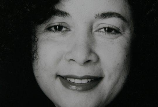 Greta Mendez, Mat De Koning