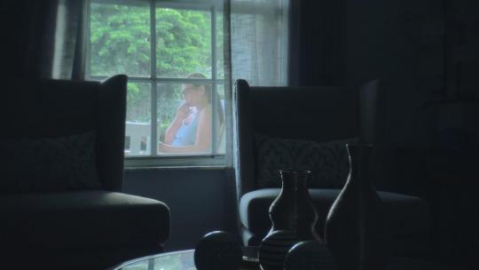 Image Caption: Featured image for 'Buscando Ana Veldford (Searching for Ana Veldford)'.